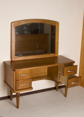 Офисная мебель - Стол дамский